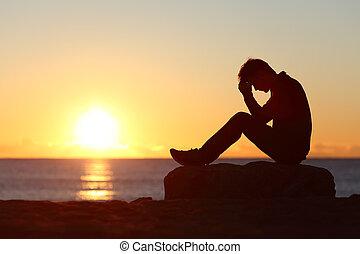 triste, homem, silueta, preocupado, ligado, a, praia,
