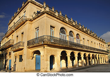 Old havana colonial building - Perspective view of vintage...