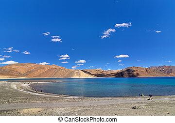 Pangong tso (Lake), Leh, Ladakh, Jammu and Kashmir, India -...