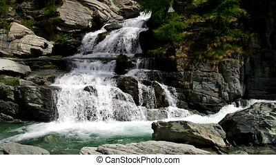 Lillaz waterfall