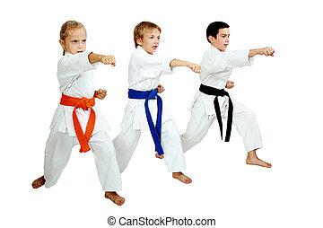 três, karateka, em, quimono, Golpe, Um, sopro,