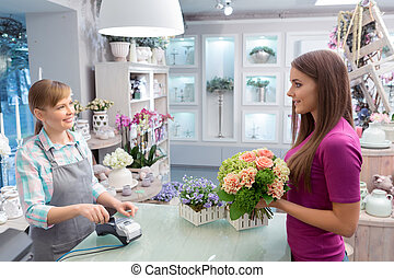 Paying with credit card at florist shop - Easy payment...