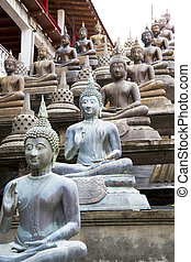 Buddha Statues at Gangaramaya Temple - Image of Buddha...