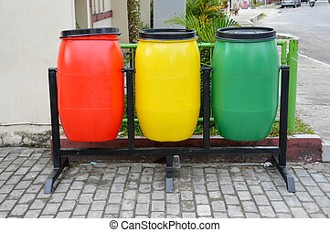 trash can - three colors plactic trash can