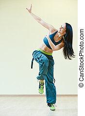 zumba, bailando, condición física, ejercicios,...
