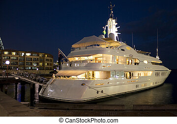 Boat Docked at Sydney Opera Quay - Image of a boat docked at...