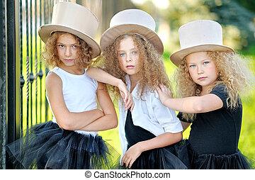retrato, de, Un, tres, hermoso, Moda, poco, niñas,