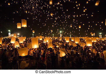 CHIANG MAI, THAILAND - OCTOBER 25, 2014: Floating lanterns...