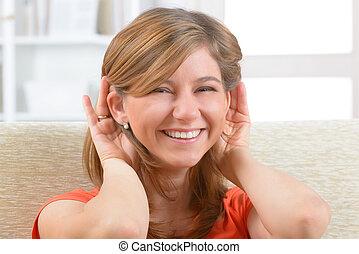 Llevando, ayuda, mujer, sordo