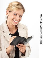 Eva mit Notiz - Junge Frau macht sich Notizen