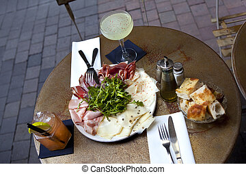 Brunch and drinks in a French bistro