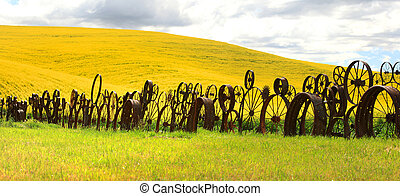 Fence of wheel rims against rapesee