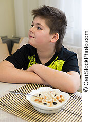 Garçon, flocons avoine, adolescent, refuses, petit déjeuner,...