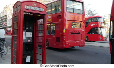 The red telephone booth and the big bu