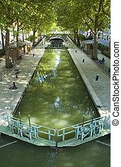 Le Canal de Saint Martin in Paris - Summer view of the ?...