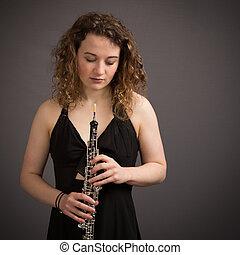 美麗, 年輕, 女性, 雙簧管吹奏者,