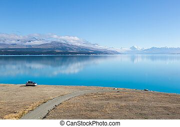 Mount Cook over Lake Pukaki - New Zealands highest mountain,...