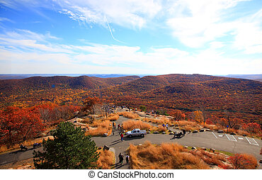 The foliage scenery from the top of Bear Mountain