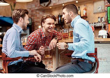Best friends met in the pub
