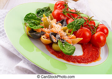 Conchiglie with North Sea shrimps and spinach