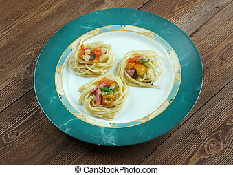 spaghetti noodles - spiral squash spaghetti noodles with...