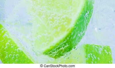 Sparkling water with slices - Sparkling water with ice and...