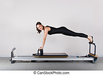 Gymnastics pilates - Reformer front support position....