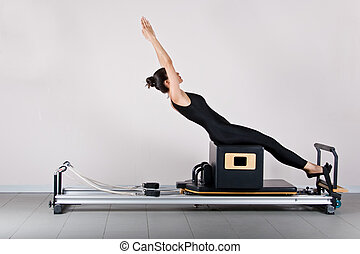 Gymnastics pilates - ABS on the short box position Pilates...
