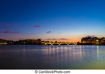 Pont Des Catalans and Garonne river at night