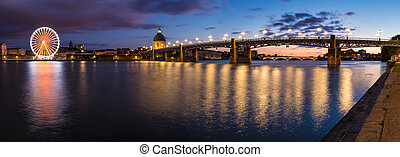 Nightly panorama of the Garonne river bank