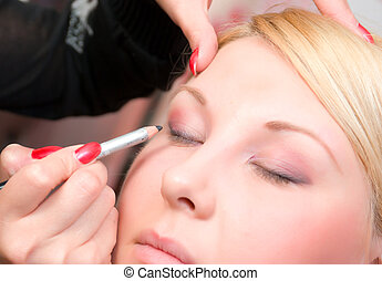 putting on models eye make up - Which girl puts shadows the...