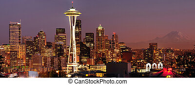 Seattle skyline and Mount Rainier panorama - Striking...