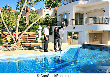 Swimming pool cleaner and owner - Swimming pool cleaner and...