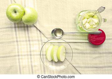 Apple juice healthy diet food