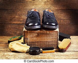 negro, zapatos, con, cuidado, accesorios,