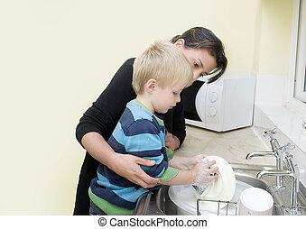 Piatti, bambino, lavaggio, madre