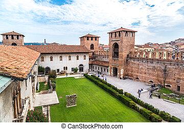 Castelvecchio in Verona, Italy - Castle Castelvecchio in a...