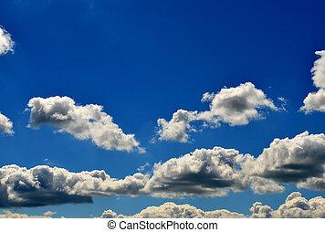 maravilloso, azul, cielo, con, algunos, blanco, nubes,