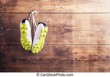 zapatillas, en, el, piso,