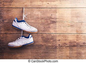 deportes, zapatos, en, el, piso,