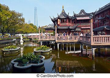 Shanghai - Yuyuan Tourist Mart - SHANGHAI, CN - MAR 17...