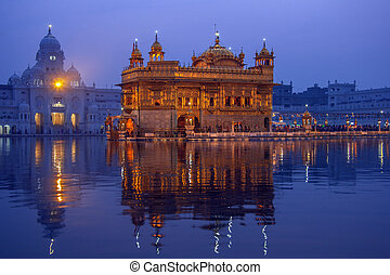 Golden Temple of Amritsar - Pubjab - India - The Golden...
