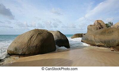 Waves And Boulders in Mahe - Waves running between granite...