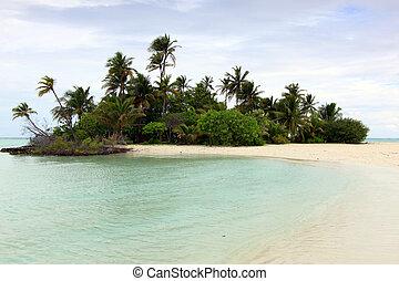 A beautiful lone uninhabited island in Rihiveli - A...