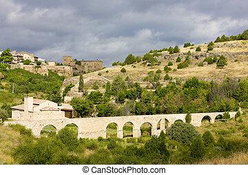 aqueduct, Pedraza de la Sierra, Segovia Province, Castile and Leon, Spain