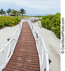 Romantic Walkway to go to the Beach - XXXL Resolution...