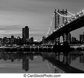 Manhattan bridge - the manhattan bridge in night