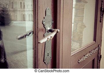 brass doors handle with key