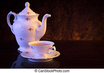 Old-style, chaleira, com, copo, de, chá, ligado,...