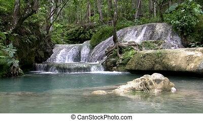 (Seamless Loop) Wide Pool Waterfall